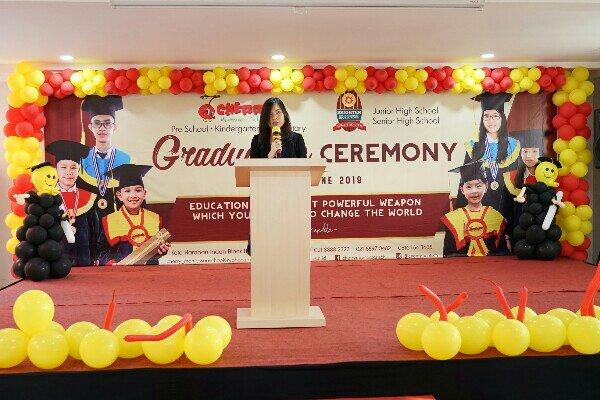 Sekolah di Harapan Indah Bekasi Mengadakan Acara Kelulusan TK, SD dan SMP